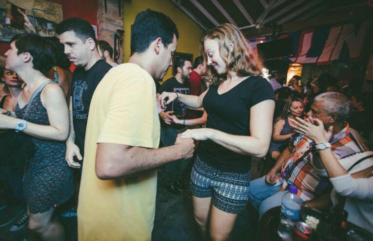 Danser la salsa à Medellin
