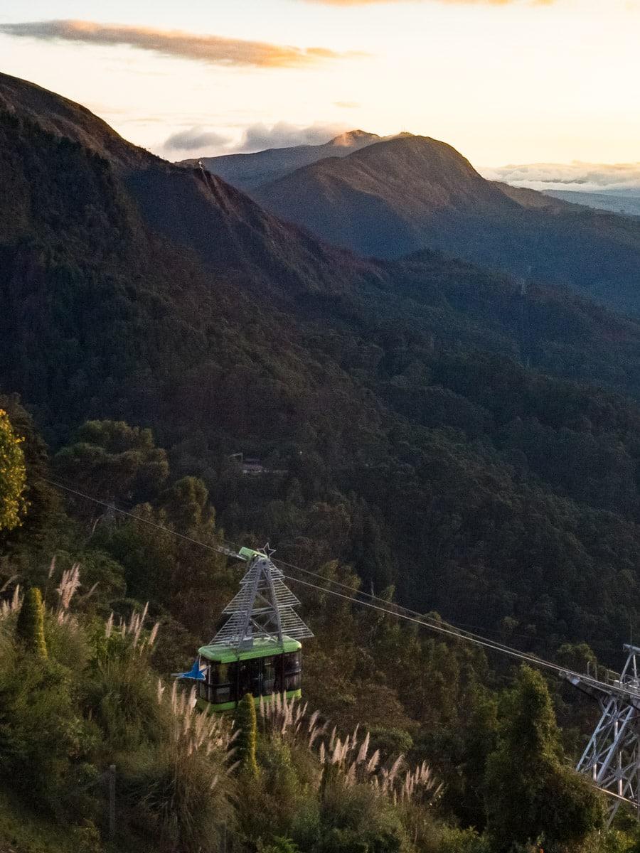telepherique et montagnes du monserrate à bogota