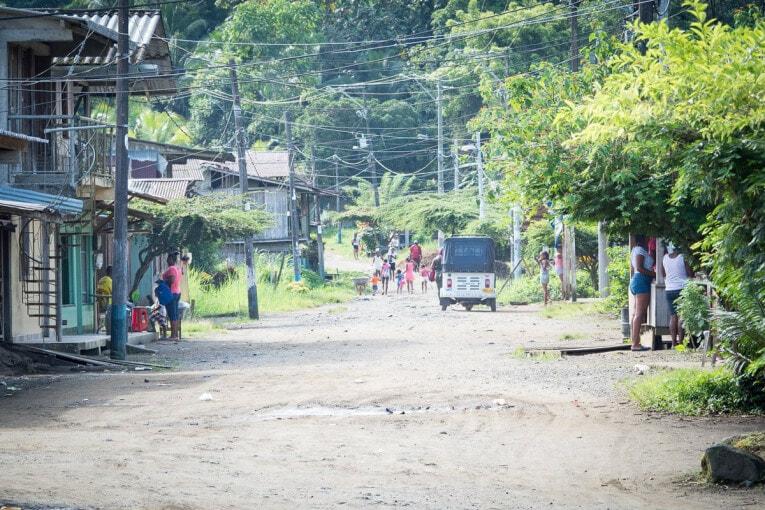 visiter le village d'el valle sur la côte pacifique de Colombie