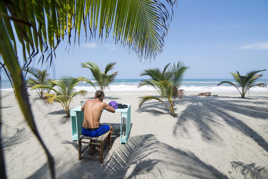 costeno beach hostel guachaca
