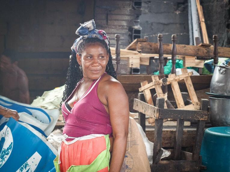 visiter le marché de bazurto à Carthagène des indes voyage en colombie