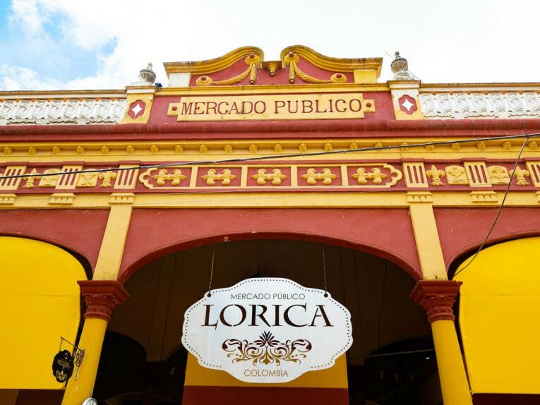 halles du marché de lorica village patrimoine de la Colombie