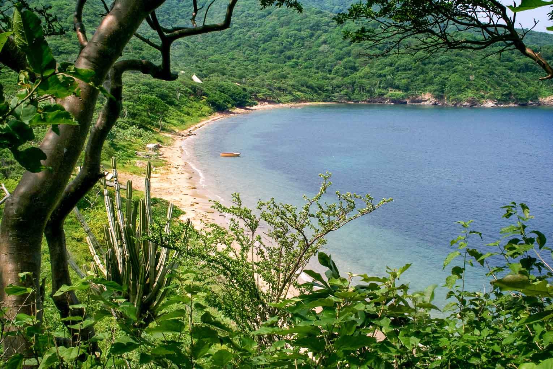 Playa del medio à Bahia Gayraca, secteur Palangana du Parc Tayrona en Colombie