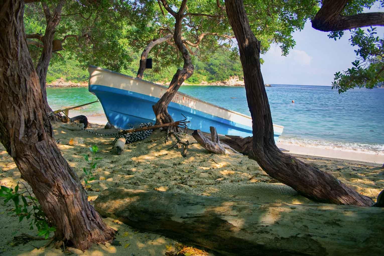 Playa del amor à Bahia Gayraca, secteur Palangana du Parc Tayrona en Colombie