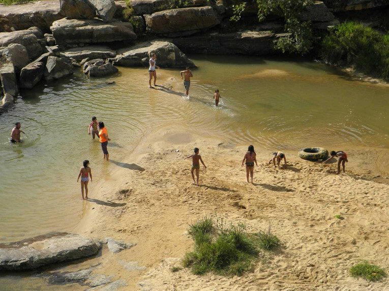 Balneario Pescaderito à Curiti près de San Gil en Colombie